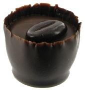 Petit fours med jordbærganache i Chokoladehimlen.dk - chokolade, lakrids og firmagaver. Himmerigsmundfulde.
