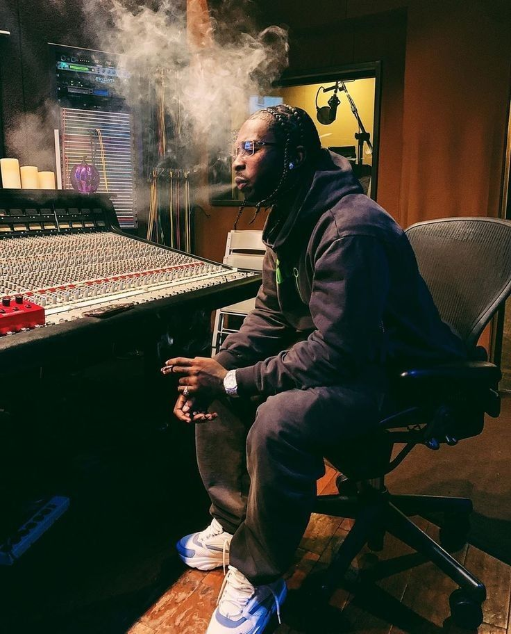 Pop Smoke Smoke Wallpaper Smoke Pictures Rap Wallpaper