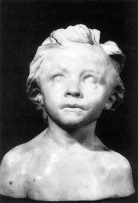 Camille Claudel. Petite châtelaine. Camille claudel réalisera plusieurs versions de ce buste, en modifiant l arrangement de la chevelure. Elle s attachera a travailler le marbre de manière très poussée.