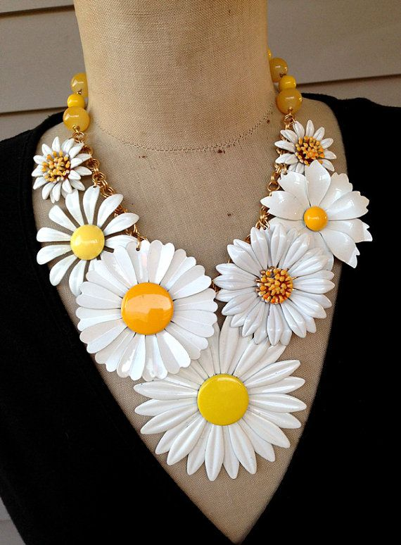 Vintage Necklace Enamel Flower Necklace Retro by rebecca3030, $239.00  I am IN LOVE with this necklace!  Daisies were my moms favorite flowers.