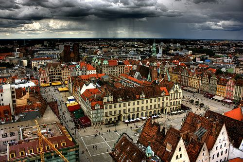 Market Square in Wroclaw seen from above. Great opportunity to look at the heart of the city - host Euro 2012 (by Klearchos Kapoutsis, via Flickr).