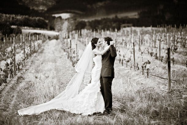 Stunning wedding photo on the slopes of the Franschhoek pass