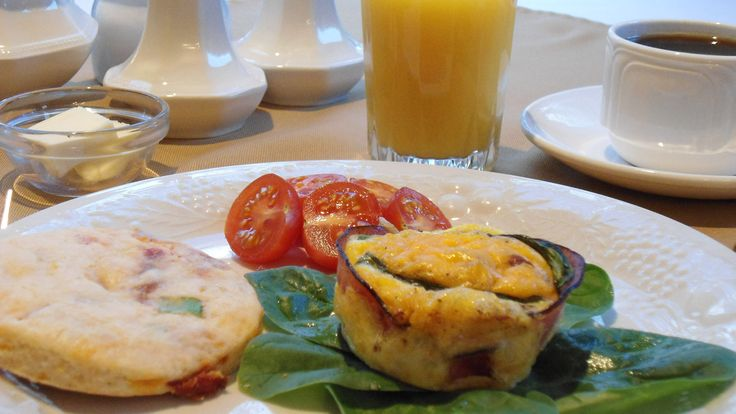 Complimentary Gourmét Breakfast at the Beacon Inn at Sidney.