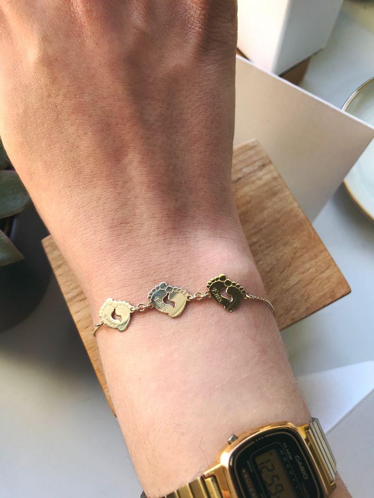 Baby feet bracelet. Golden bracelet. Jewelry for mothers. Mothers day. Bratara cu talpi de bebe din aur. Lovebird bijuterii