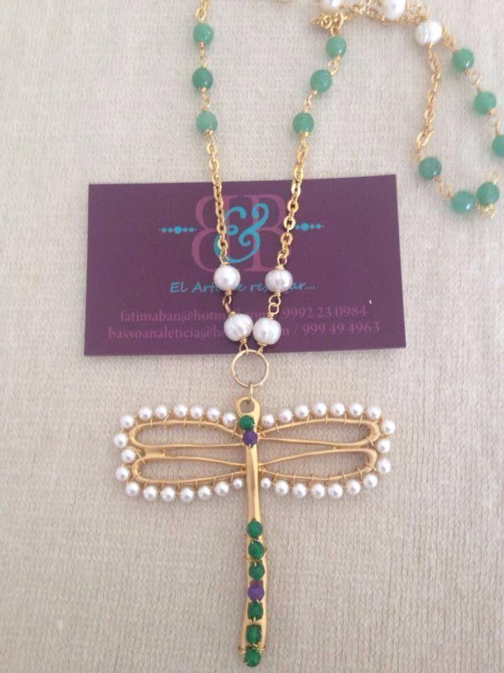 Collar largo con jade y perla en chapa de oro