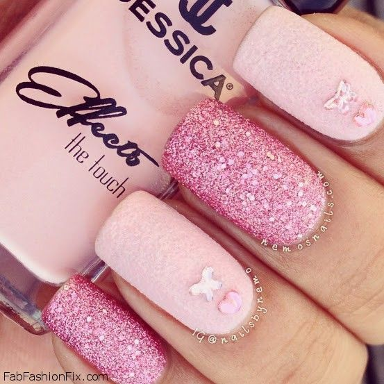 Nails: Pink nails trend for spring/summer 2013