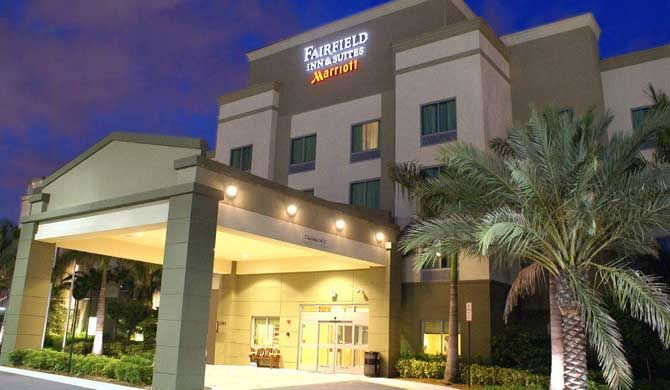 Fairfield Inn & Suites Fort Lauderdale Airport & Cruise Port Come rediscover the fresh new look and feel at the Fairfield Inn & Suites Fort Lauderdale Airport & Cruise Port.    Whether in a business suit, bathing suit or cruising out, you will enjoy the... #Apartment #Hotel  #Travel #Backpackers #Accommodation #Budget