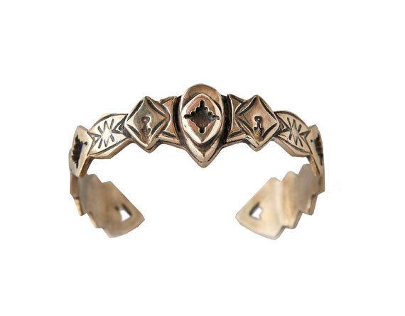 Eris bracelet  Aztec and tribal engraving Gold open by BreakAstone #breakastone #bracelet