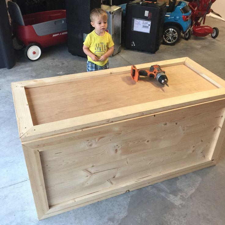 Easy DIY Toy Box – Frills & Drills – Korb und Kiste