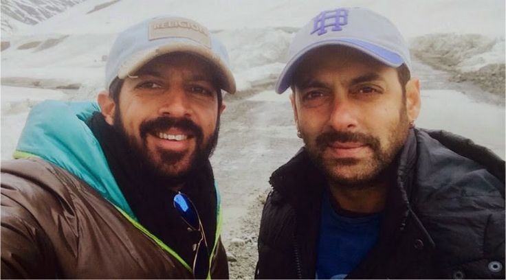 Bajrangi Bhaijaan: Bajrangi Bhaijaan team at snowy Zoji La pass