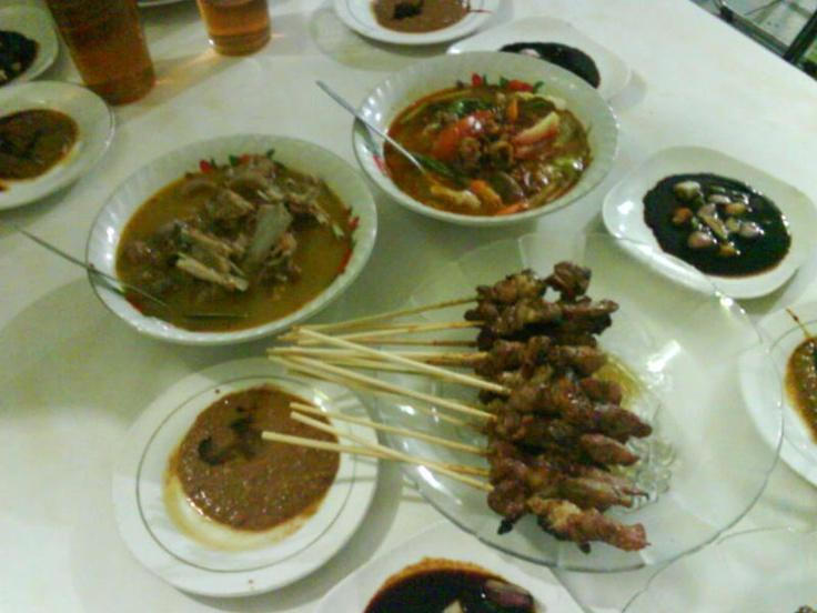 sate hadori... serving various goat meat menus...
