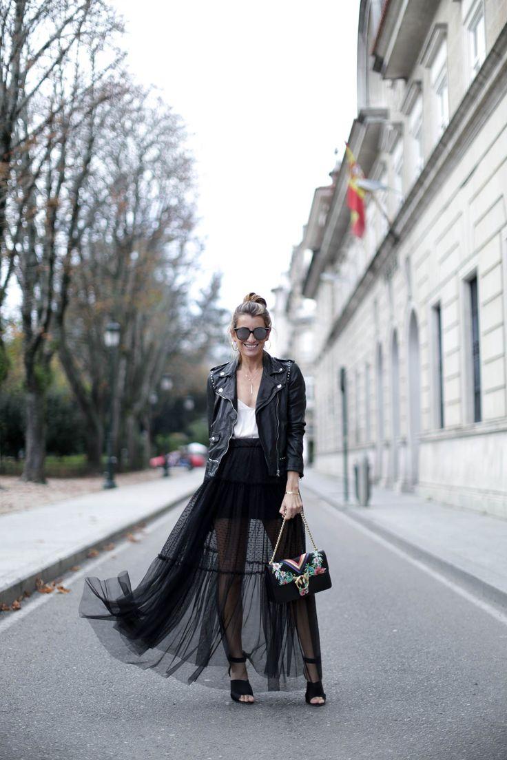 blogger-blog-bartabac-mango-pinko-christmas-navidad-fiesta-black-rock-streetstyle-cardigan-louis-vuitton-pura-lopez-jeans-a-bicyclette-3