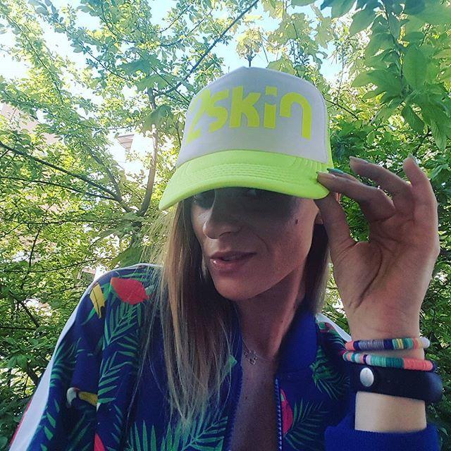 Dzień Dobry Kochane😙  Czy Wy to widzicie⁉Nareszcie ciepło❗Nareszcie słonko🌞🌞🌞 To jest idealny moment na zakup czapki z daszkiem👍 Idealna na takie pogody❗ Siateczkowe elementy świetnie się sprawdzają no i.... kolory❗ Mamy aż trzy🙊🙉🙈 Black👍 Fluo👍Pink👍 To co którą wybierasz⁉➡www.dancewear.com.pl #bestoftheday #goodmorning #sunday #health #fitness #fit #TFLers #fitnessmodel #fitnessaddict #fitspo #workout #bodybuilding #cardio #gym