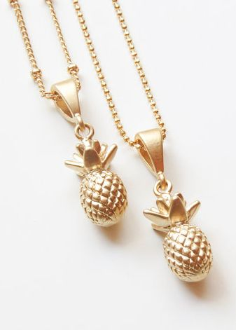 darling pineapple necklace