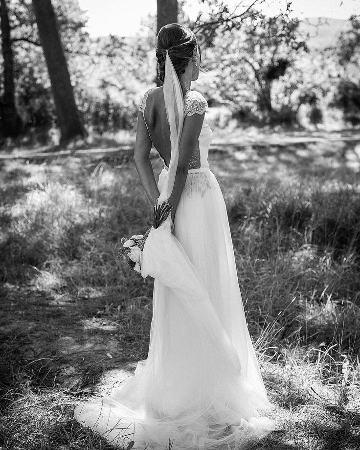 - Alicia Rueda Couture (@aliciaruedaatelier)