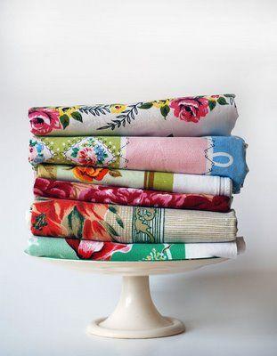 the red thread: I *Heart* Fridays: I *Heart* Vintage Tablecloths
