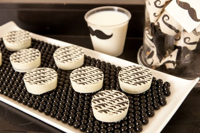 Cookies at a Mustache Party #mustache #partycookies