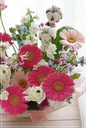 【今日の贈花】合格のお祝いに♪ Flower note の 花日記 (横浜・上大岡 アレンジメント教室)
