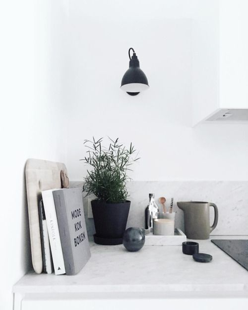 Via Lea Bo | Minimal Kitchen | Black White Grey | Sinnerlig