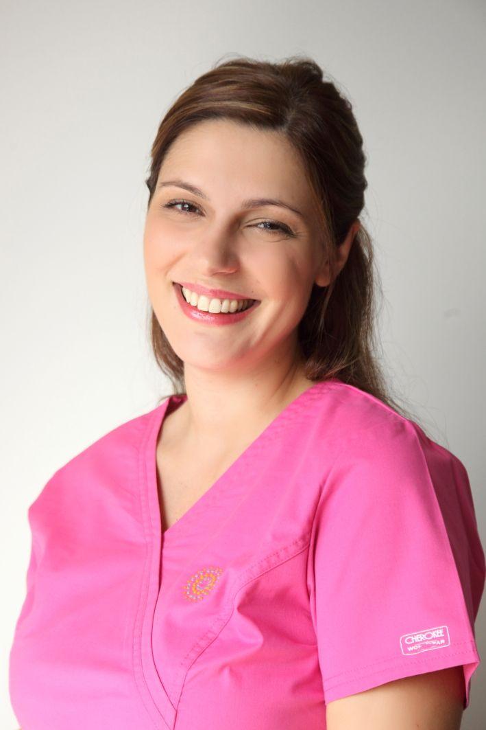 Σοφία | μαία, συντονίστρια προγραμμάτων εξωσωματικής Sofia | ivf nurse http://gennima.com/el/gennima/people/nurses #gennima #ivf