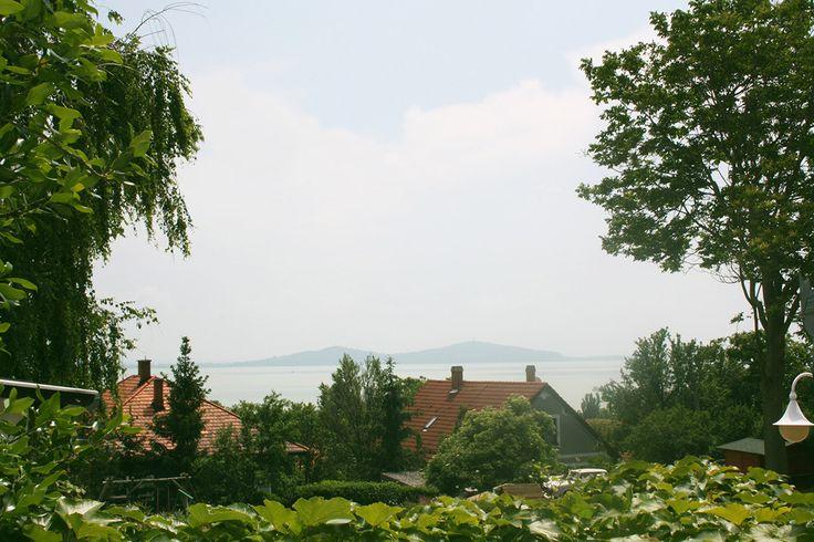 Nefelejcs apartman, kilátás a Balatonra és a fonyódi hegyekre. Badacsony - Lake Balaton - Hungary