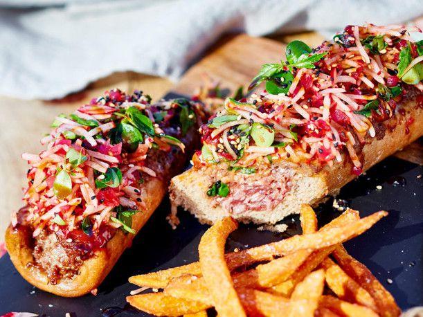 Unser beliebtes Rezept für Klabautermann-Hotdogs mit Radieschenhut und mehr als 55.000 weitere kostenlose Rezepte auf LECKER.de.