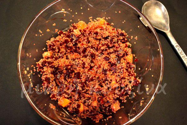 Σαλάτα με παντζάρι, κινόα και πορτοκάλι