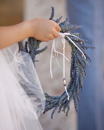 A wreath of lavender was used instead of a ring pillow.