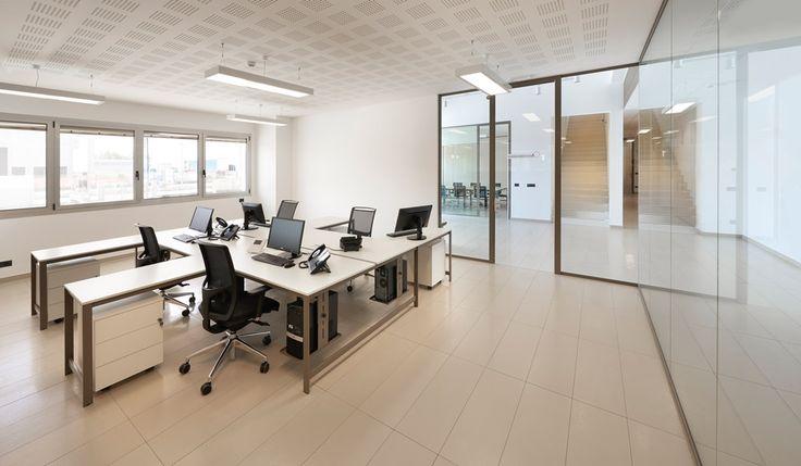 K word by manerba arredi per ufficio di design offmec for Design ufficio srl
