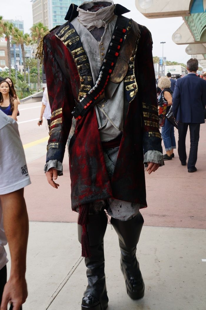 This fella didn't appear to have too much on his mind #SDCC #cosplay