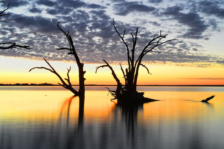 Another gorgeous Lake Bonney Sunset.  Near Barmera, Riverland South Australia.    Tuesday May 28 2013 - gswatty  Photo by Grant Schwartzkopf.