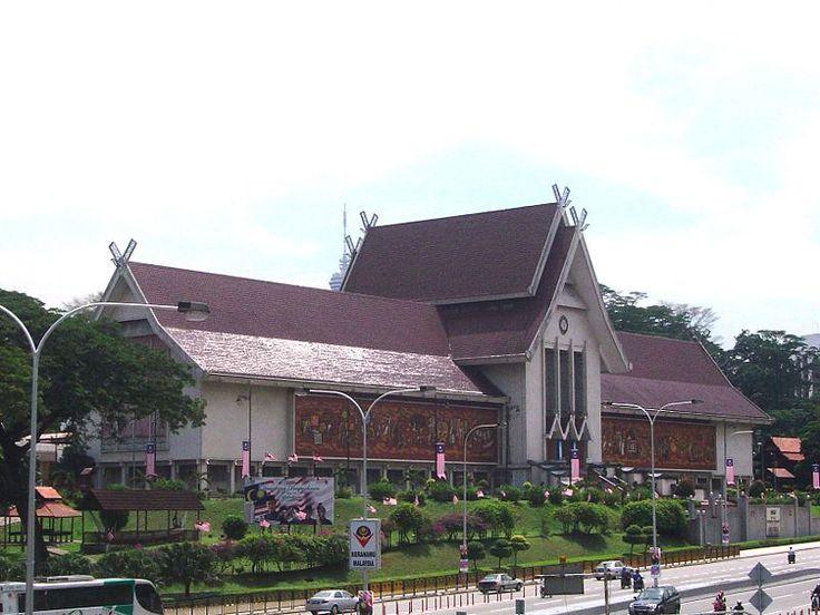 Muzium Negara outside Lake Gardens.