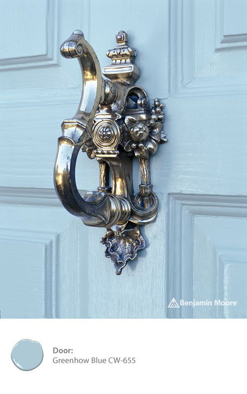 Be the envy of the neighborhood with a classic door knocker and paint color. Try 'Greenhow Blue CW-655' from the Benjamin Moore WILLIAMSBURG Collection of paint colors.