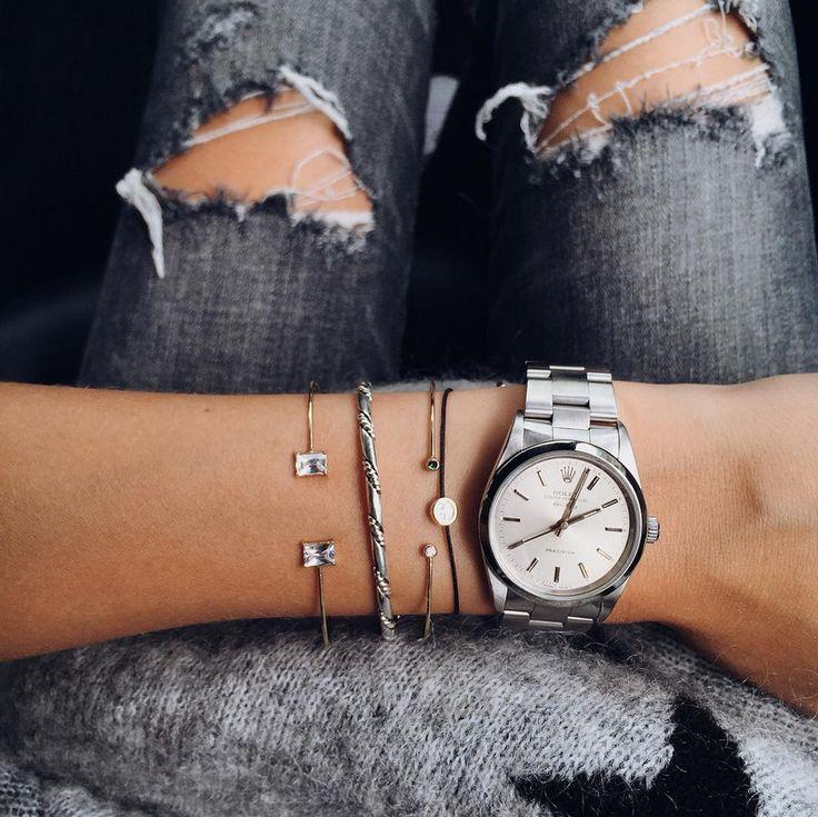 Les Brèves - Tendances de Mode . Large montre masculine + bracelets ultra fins = le bon mix