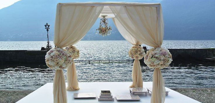Getting married lake Como - #LakeComo is well known by its beauty. It is the perfect place for  a luxury wedding. Lake Como is perfect choice if you are looking to make your #wedding special and memorable.