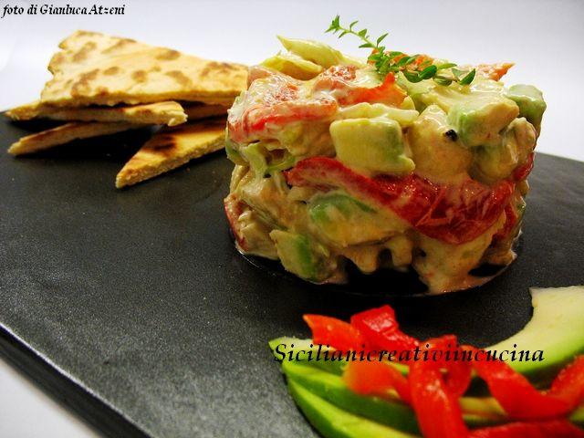 Салат из курицы, жареным перцем и авокадо | СИЦИЛИЙСКИЙ ТВОРЧЕСКИЙ на кухне |