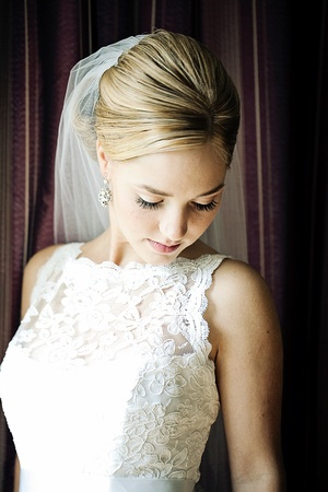 sophisticated bride - lace dress Photos by www.theweddingcentral.com