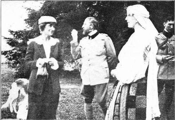 MM.LL. Regele Ferdinand si Regina Maria ai Romaniei