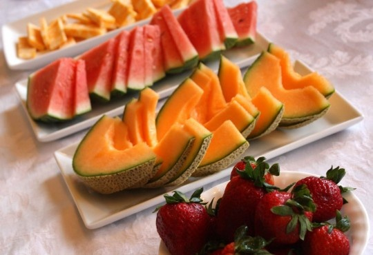 10 Delicious Snacks Under 200 Calories: Healthy Fruit, Very Hungry Caterpillar, Fruit Snacks, Caterpillar Snacks, Crazy Food, Weights Loss Secret, Eating Healthy, Fruit Trays, Baby Shower