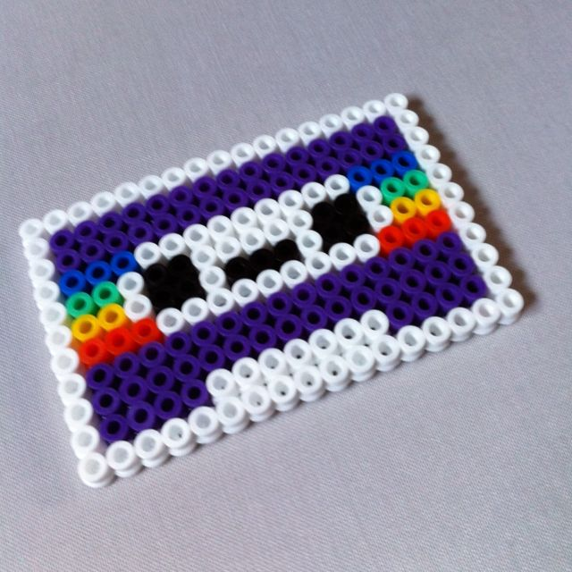 I'm not usually much for hama but this design is awesome