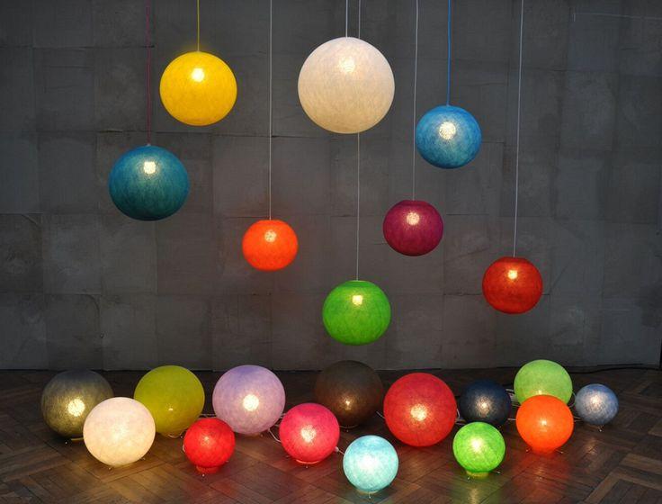 Köp Happy Lights Ljusboll Grey Blue 30cm | Barnrummet Belysning | Jollyroom #happylights #belysning #kidsroom #barnrum #barnrumsinspo