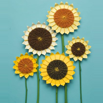 Garden of Weavin'  Make a bouquet of big, bold sunflowers out of yarn and paper plates.