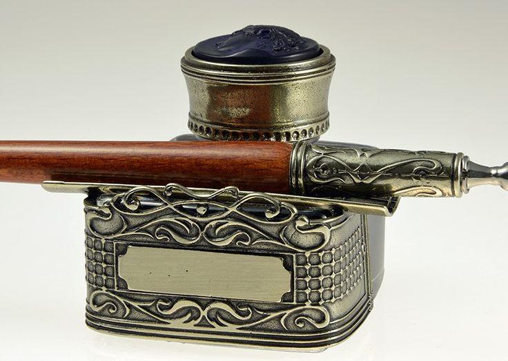 Inktpot met inkt van het Italiaanse Bortoletti. Met Venetiaans glas camee