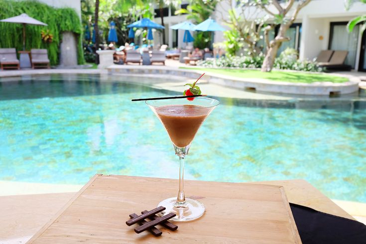 Put your hands up #cocktaillovers! Choose your favorite spot whether it's the Lagoon Pool or the TAO Beach House and indulge in your favorite cocktails all day!  #TheCamakilaLegianBali #CamakilaBali #Camakila #Legian #Bali