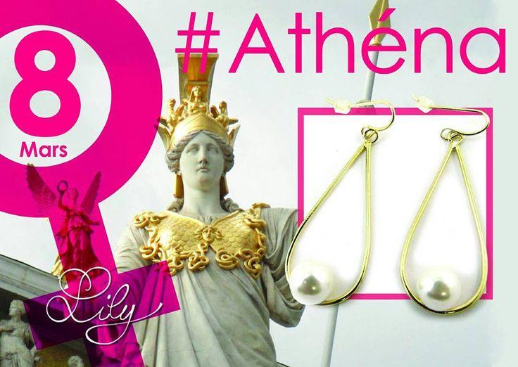 Athéna est la grande déesse olympienne aux sages conseils, elles est à la fois la déesse de la Guerre et de la défense des cités, de la Sagesse et patronne des artisans. #femme #déesse #olympe #8mars #sagesse #artisanat #femmeforte #fierté #boucle #oreilles #perle #dore #lestresorsdelily #love