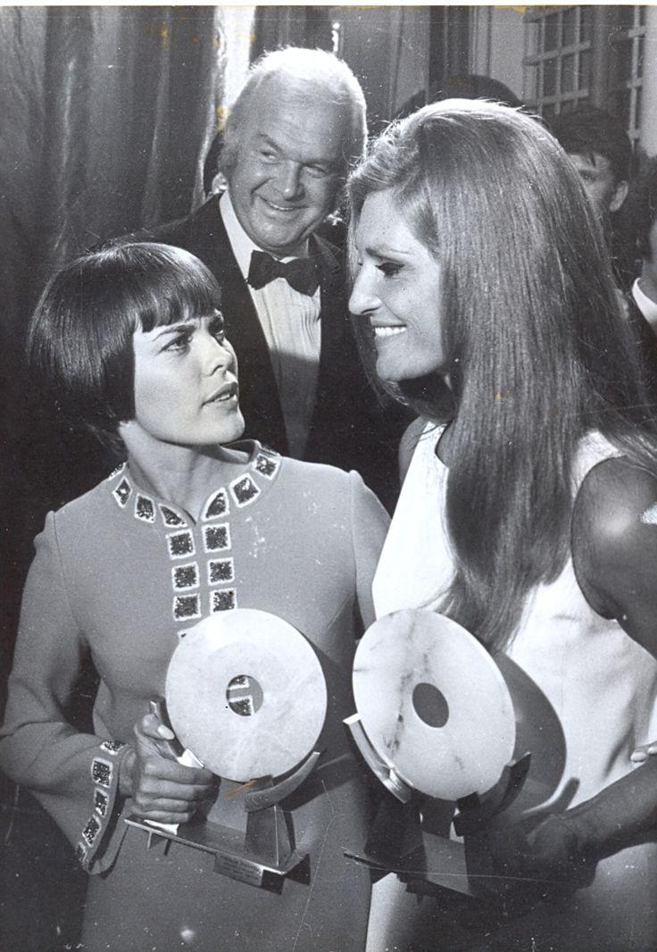 Mireille Mathieu, Dalida et Johnny Stark