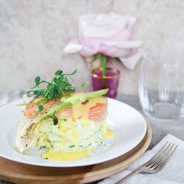 Catarinas lax med gräslökspotatismos, citron- beurre blanc och fänkål - Recept - Tasteline.com