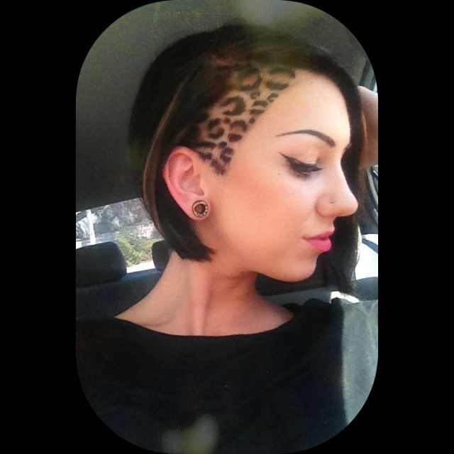 Leopard hair, short hair, shaved side, undercut, hair design hair tattoo