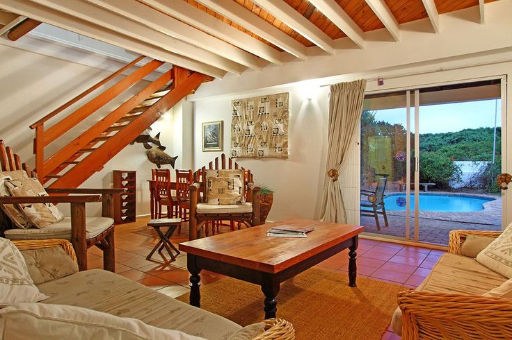 Self catering accommodation, Scarborough, Cape Town  http://www.capepointroute.co.za/moreinfoAccommodation.php?aID=493