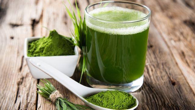 W dzisiejszej diecie przeciętnego człowieka brakuje przede wszystkim zielonych warzyw, które ofiarowała nam matka natura. Te zielone i niepo...